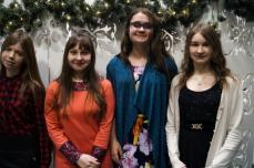 Молодежь собралась в первый день года в церкви